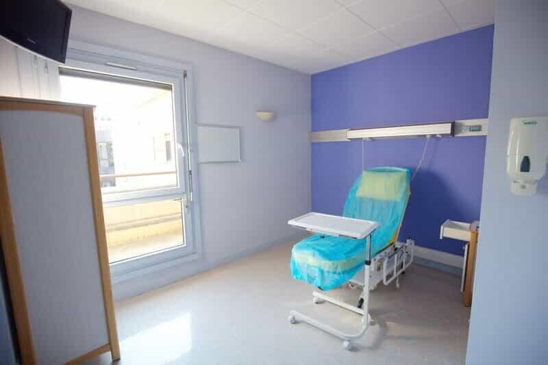 chambre-2-Institut-main-jouvenet-paris-clinique-jouvenet-chirurgien-orthopediste-pr-eric-roulot