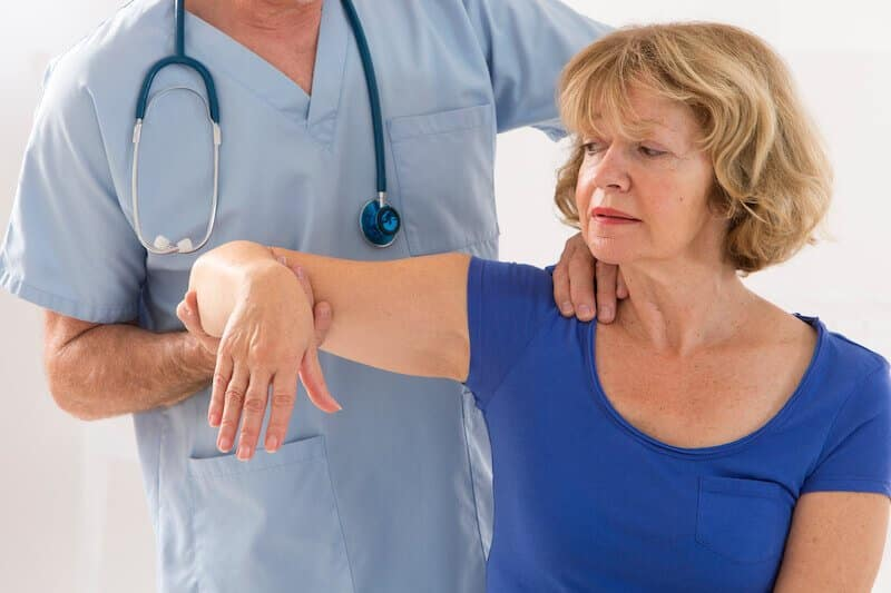 maladie-epaule-raideur-a-l-epaule consultation pour une arthrose