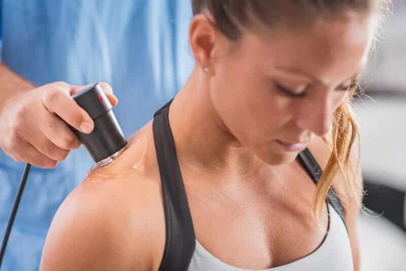 soigner bursite sous-acromiale épaule - traitement bursite épaule par ultrason - douleur épaule et exercice rééducation bursite-épaule