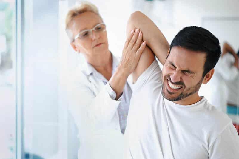 capsulite-retractile-epaule-douleur-bras-levé-droit